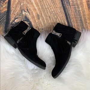 Guess • Black Suede Fringe Booties